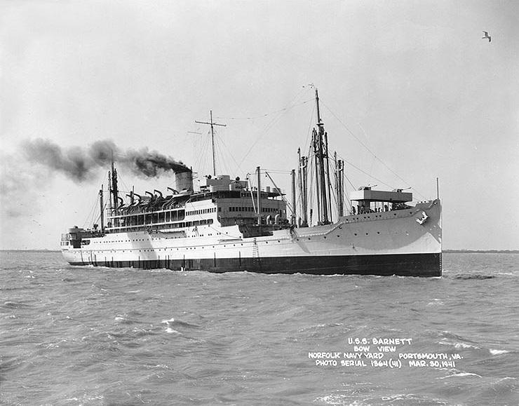 Recién transformado en transporte militar (marzo de 1941)