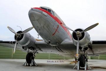 Este es el magnífico aspecto que luce el avión DC-3 del Aeromuseo de Málaga