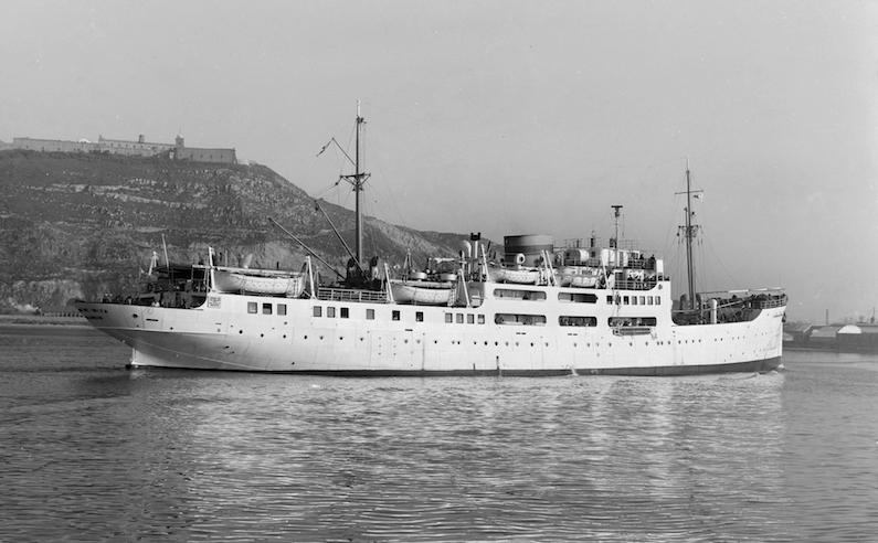 """El buque """"Ciudad de Ibiza"""", visto por la aleta de estribor. Era un barco realmente bonito"""
