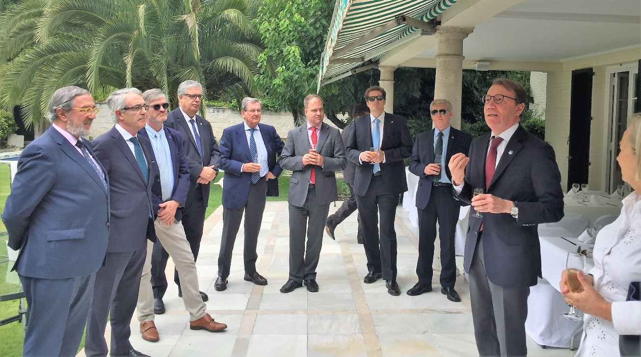 El embajador Roberto Tanzi-Albi, en su intervención