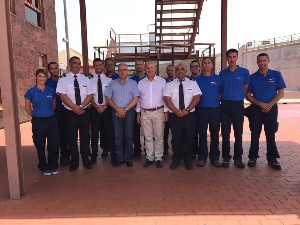 """Parte del equipo del """"Benchi Express"""", con Casimiro Curbelo y Juan Ignacio Liaño"""