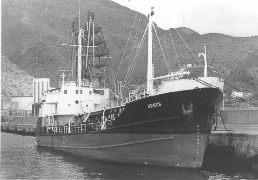 Abanderado en Panamá y atracado en el puerto de Santa Cruz de Tenerife