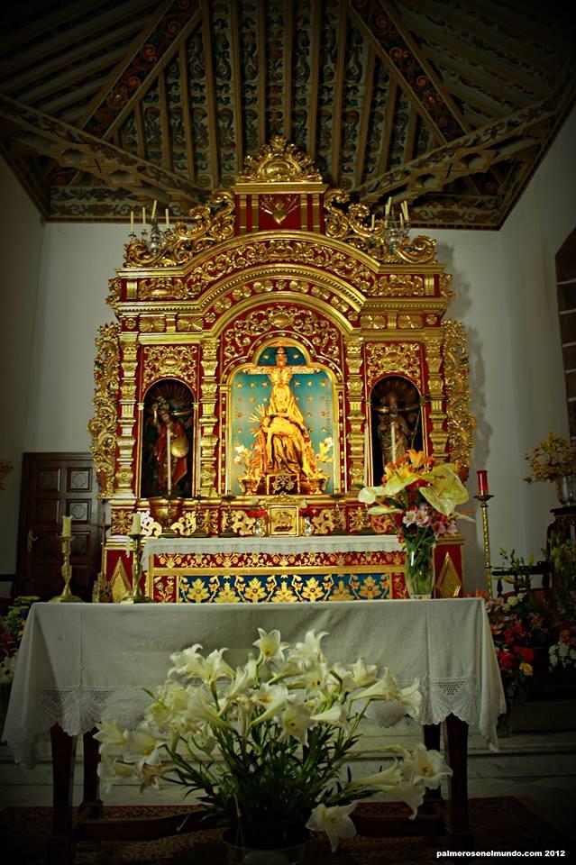 Altar mayor. Imagen de Nuestra Señora de las Angustias