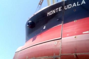 "Momento del ensamblaje de la proa del petrolero ""Monte Udala"""
