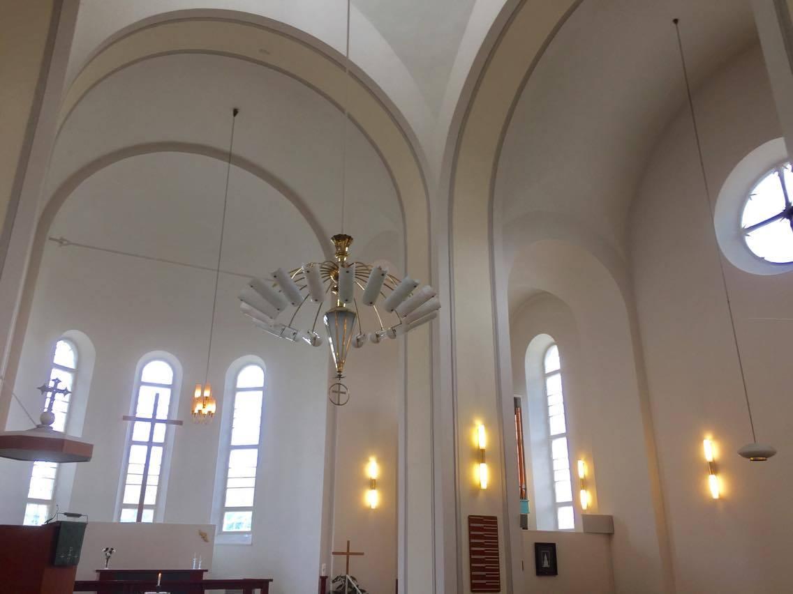 la iglesia tiene planta de cruz griega