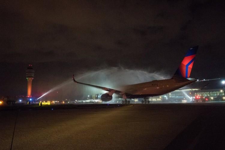Recibimiento al primer Airbus A350 de Delta en su base de Atlanta