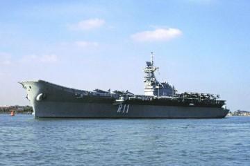"""El portaaeronaves """"Príncipe de Asturias"""" ya forma parte de la historia naval militar española"""