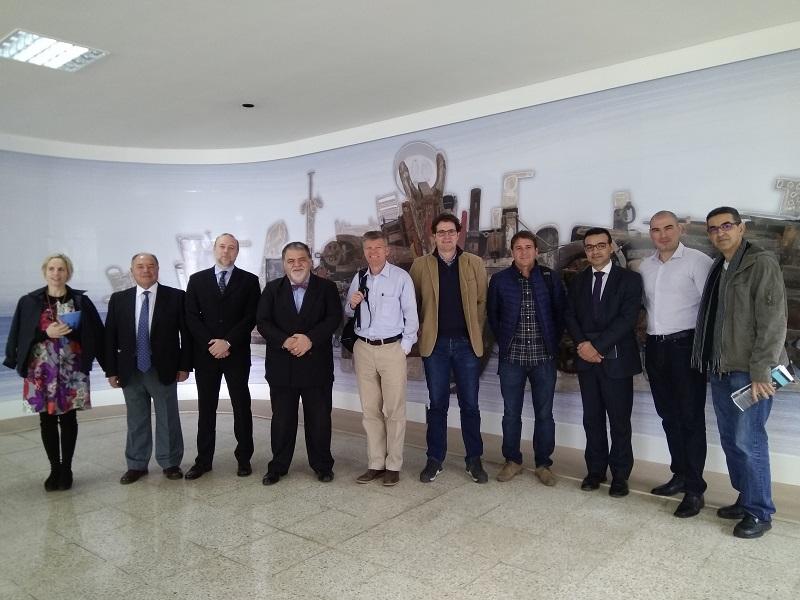 Asistentes al encuentro mantenido en la Escuela de Náutica Civil de Tenerife
