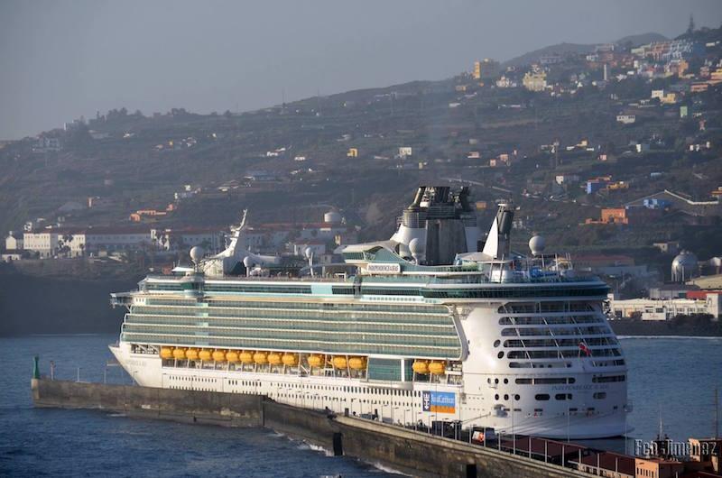 La presencia del megacrucero destaca en el ámbito portuario