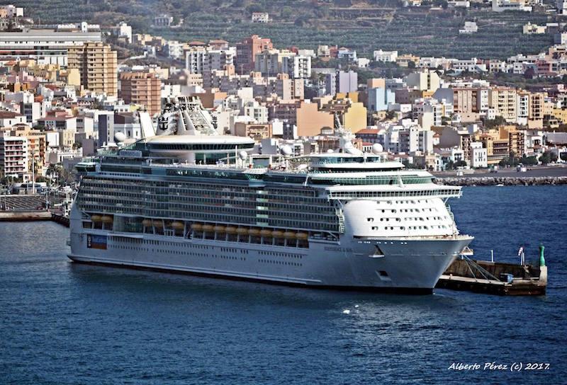 Durante algunos años fue uno de los tres buques de su clase mayores del mundo
