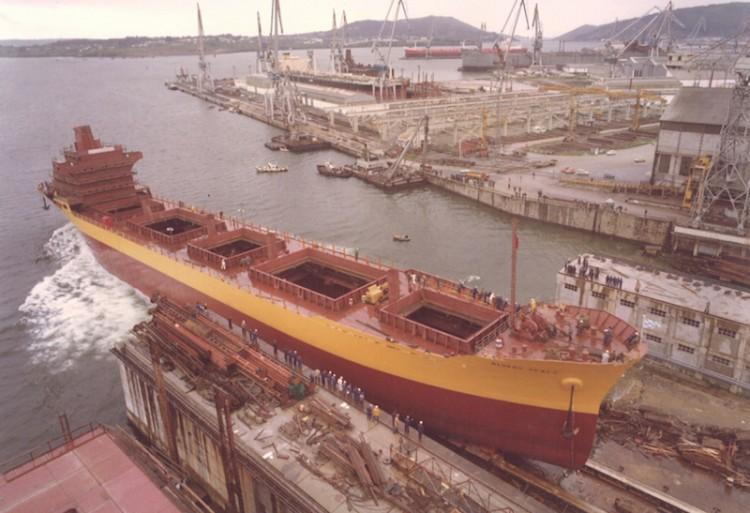 """Botadura del buque """"Álvaro Pérez"""", en el astillero de Bazán Ferrol"""