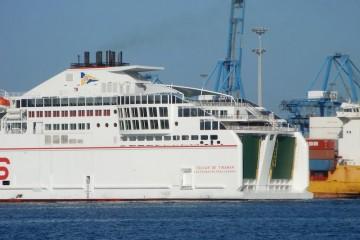 Una treintena de polizones fueron localizados cuando ya habían conseguido entrar a bordo
