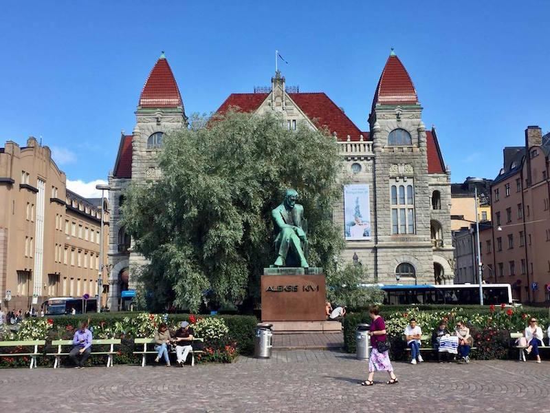 Años después de su muerte llegó el reconocimiento en la capital finlandesa