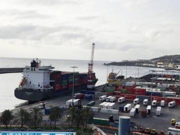 Terminal de Boluda en el puerto de Santa Cruz de La Palma