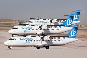 Este montaje fotográfico resume la presencia de Air Europa Express en Canarias