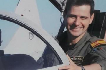 El capitán Borja Aybar, piloto fallecido ayer en el accidente del avión que tripulaba