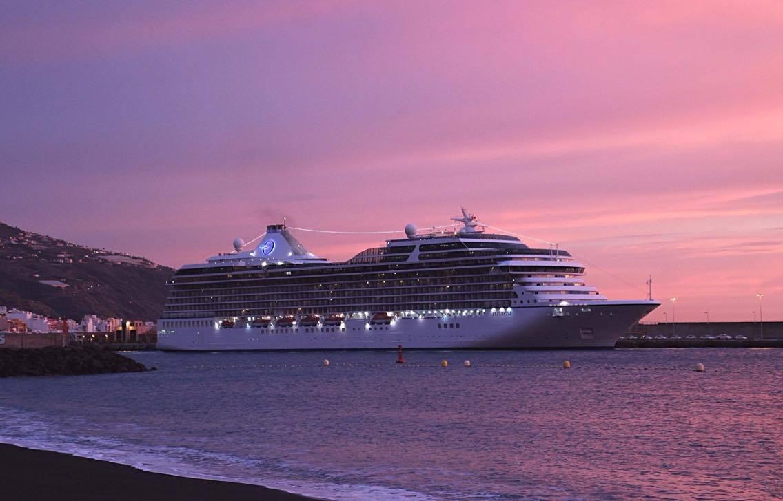 """El buque """"Riviera"""" estaba atracado al amanecer"""
