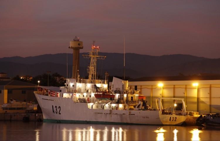 """El buque hidrográfico """"Tofiño"""", atracado en el puerto de Castellón"""