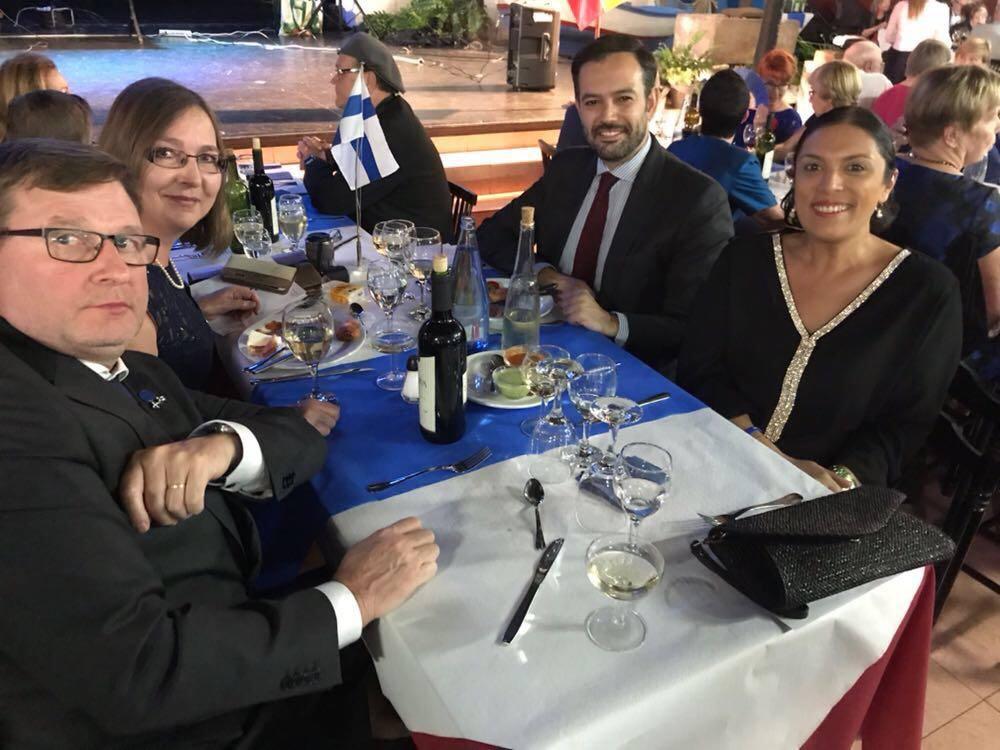 Katariina Hautamakki Huuki y su esposo, alcalde y concejal de Turismo de Puerto de la Cruz