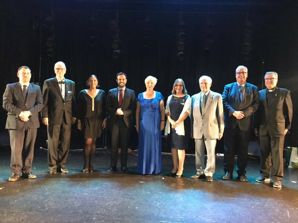 Foto de familia de autoridades y representación consular asistentes al acto en Puerto de la Cruz