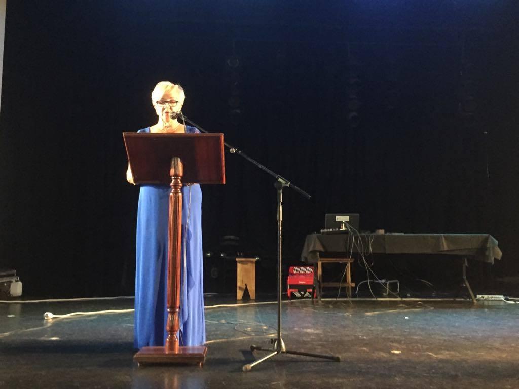 Marketta Kuru, presidenta de Club Finlandia en Puerto de la Cruz, abre el acto conmemorativo