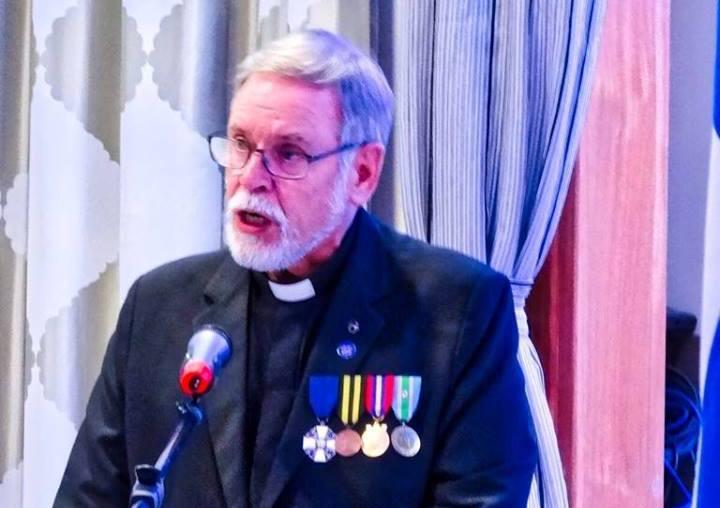 El pastor luterano Partti Hell, en su intervención
