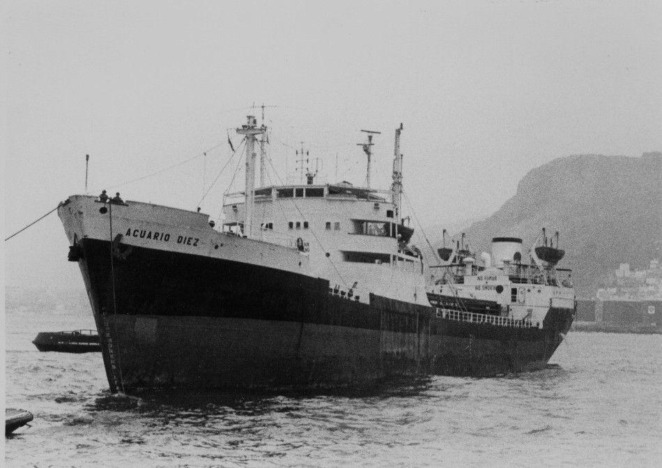 """En su primera escala en el puerto de Tenerife renombrado """"Acuario Diez"""""""
