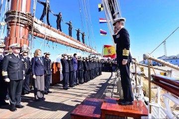 """El rey Felipe VI sube a bordo del buque-escuela """"Juan Sebastián de Elcano"""""""