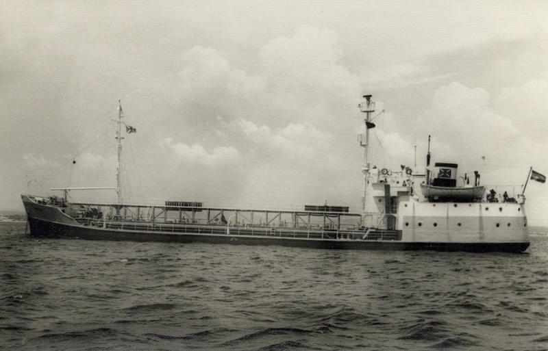 """El petrolero """"Bruch"""", ex """"Seagull"""", ex """"USS Quastinet"""", otro de los barcos que mandó el capitán José de Barrasa"""