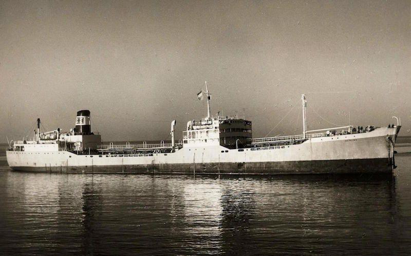 """En el petrolero """"Gerona"""", recién reformado, realizó José de Barrasa Sánchez su primer interinaje de capitán"""