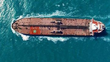 """Vista aérea del petrolero """"Monte Udala"""" en pruebas de mar"""