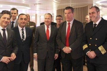 """La presentación del programa Melilla Náutica 2018 se celebró a bordo del ferry """"Sorolla"""""""