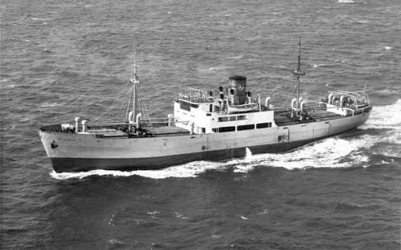 """Estampa marinera del vapor """"Alcalá"""", su primer barco en COFRUNA"""