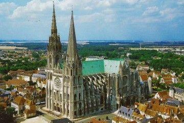 Vista aérea de la catedral de Chartres