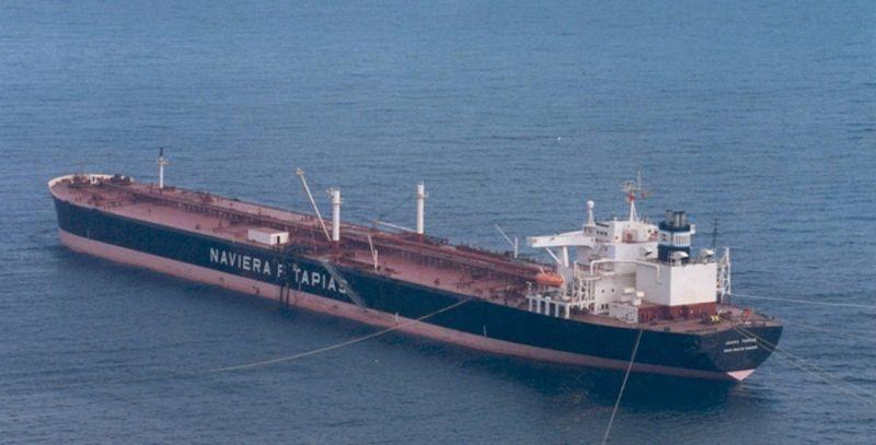 """El petrolero """"Juana Tapias"""", último barco del capitán Antonio Rodríguez Díaz"""