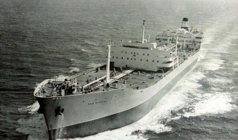 """El petrolero """"San Marcial"""", gemelo del """"Talavera"""", un hito en la historia de CEPSA y de la Marina Mercante española"""