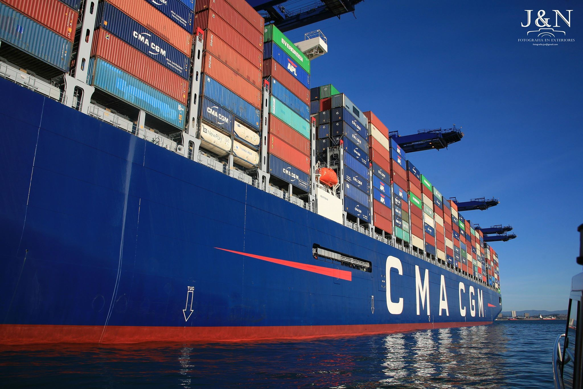 Las dimensiones del buque impresionan. Es uno de los mayores del mundo