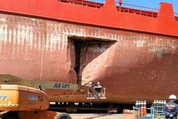 """Este es el boquete que tiene el buque """"Spica"""" en el costado de babor"""