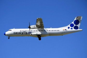 ATR-72 de Canaryfy en corta final en el aeropuerto de Ibiza