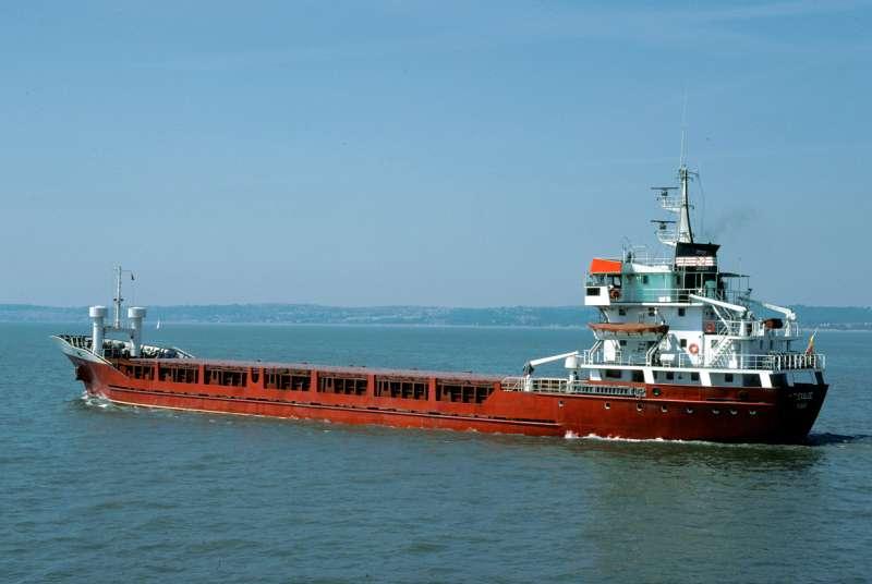 """Estampa marinera del buque """"Elexalde"""", visto en toda su eslora por la banda de babor"""
