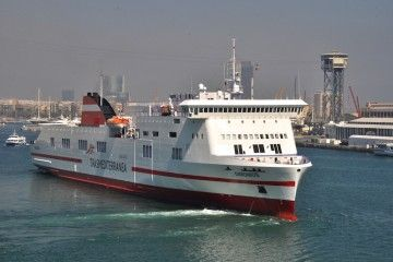 """El buque """"Dimonios"""" cubre la línea Barcelona-Palma"""