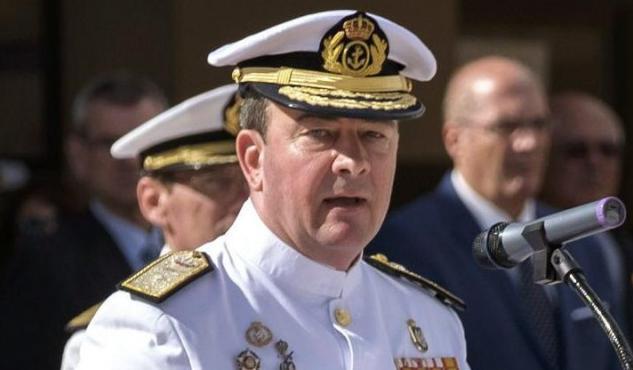 El almirante comandante del Mando Naval de canarias, Juan Luis Sobrino Pérez-Crespo, presidió la ceremonia naval de despedida