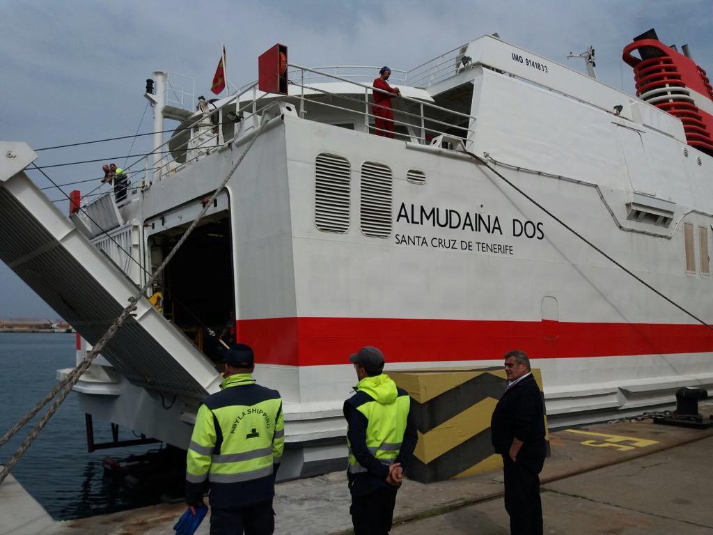 """Vista de la popa del buque """"Almudaina Dos"""""""