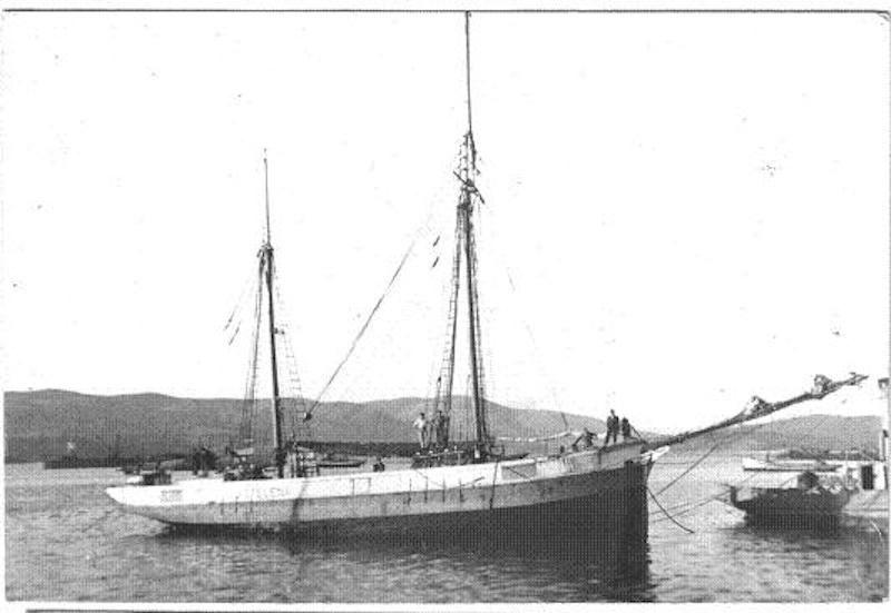 "Estampa marinera del velero ""Astelena"", durante la Segunda Guerra Mundial"