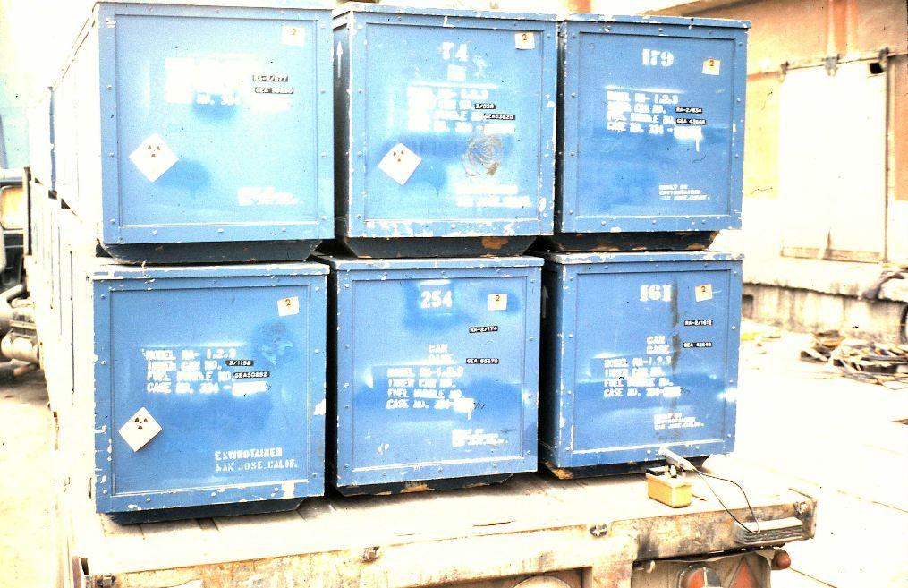 Contenedores no standard que contenían el uranio U-235