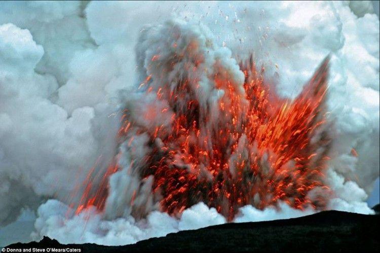El volcán Kilauea se encuentra desde ayer en una fase explosiva aguda