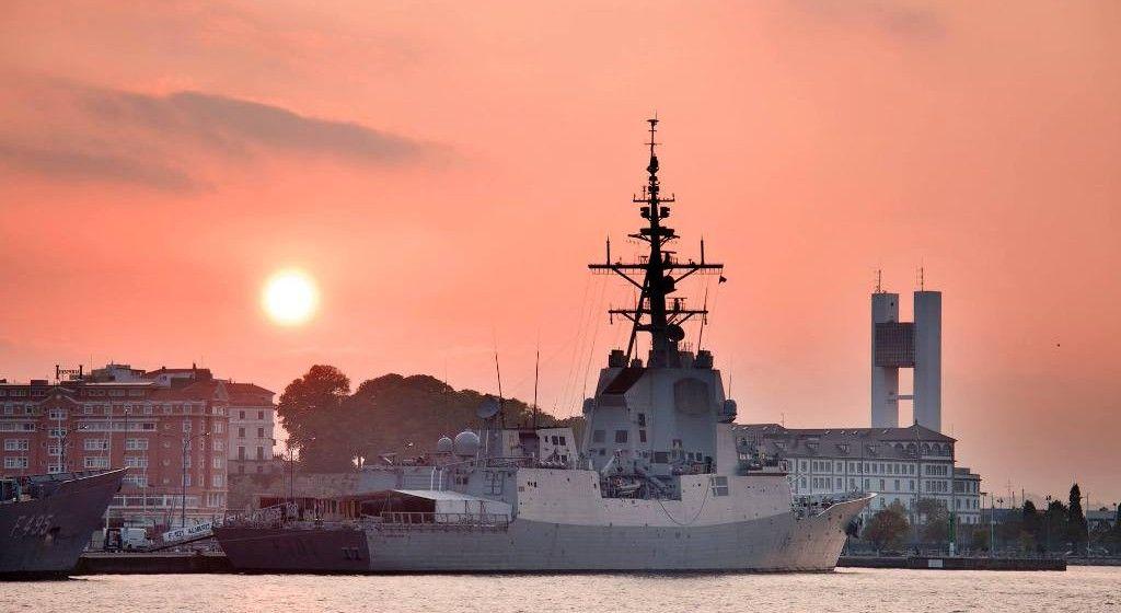 """La fragata española """"Álvaro de Bazán"""" , uno de los cuatro buques militares atracados en A Coruña"""