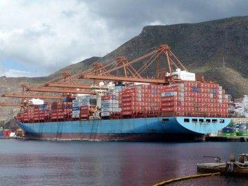 """El buque """"MSC Karlskrona"""" llegó en lastre y salió con 6.300 TEUS"""