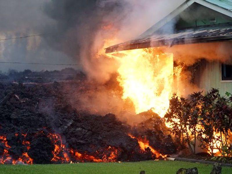 La lava ha destruido, hasta ahora, una veintena de casas