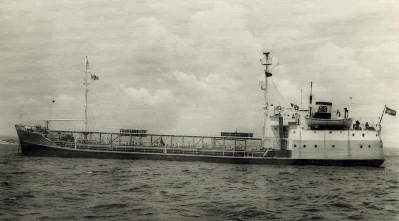 """Estampa marinera del petrolero """"Bruch"""", construido en 1944 en EE.UU."""